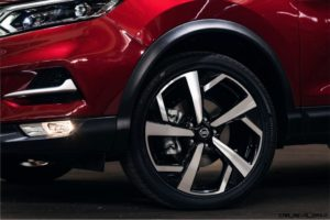 2020 Nissan Rogue Images